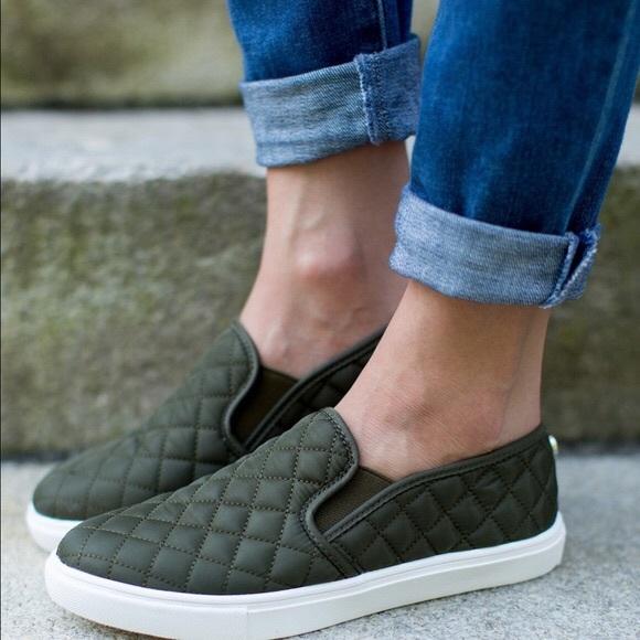 91ba91a22fb Steve Madden EcentrcQ slip on sneaker. M 5aca4158a44dbe1bd0beb84e
